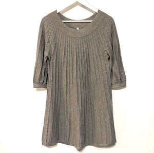 Leo & Nicole gray pleated tunic length XL sweater